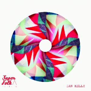 "Ian Kelly lance ""Superfolk"" en version remixée"
